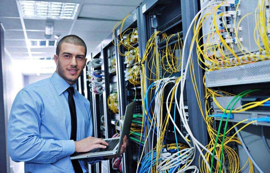 Bilgisayar ve Bilgi Sistemleri Yöneticisi