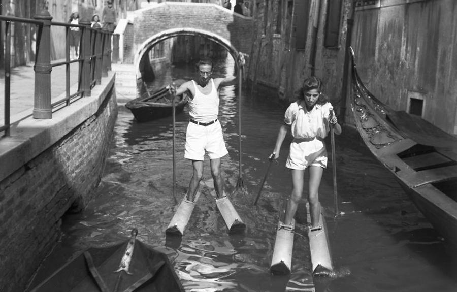Venedik Kanallarinda Su Kayagi