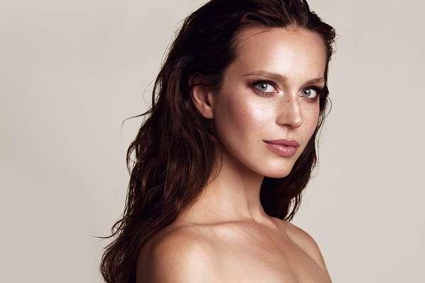 Islak Görünümlü Saç Modeli