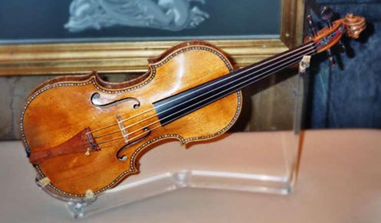 Lady Tennant Stradivarius Keman