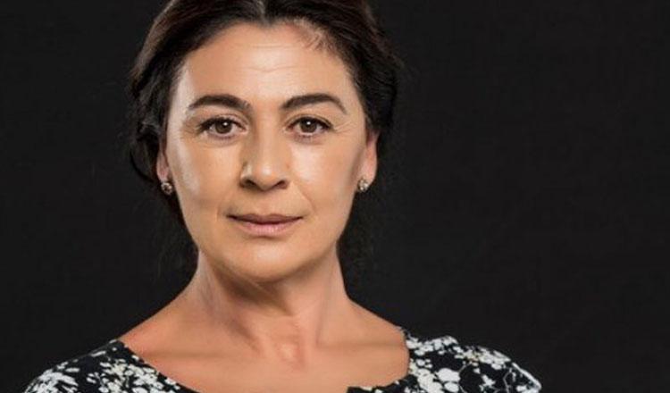 Gül Erguvan / Zeyno Eracar